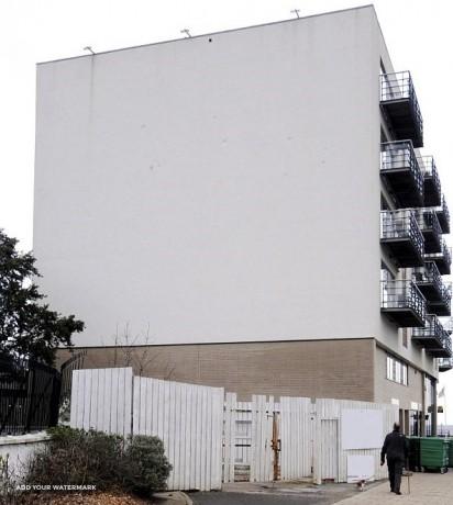 Do wynajęcia oświetlona ściana budynku